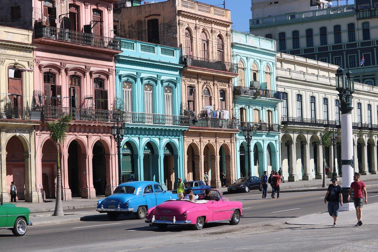 SRA JULIA VIAJE A CUBA